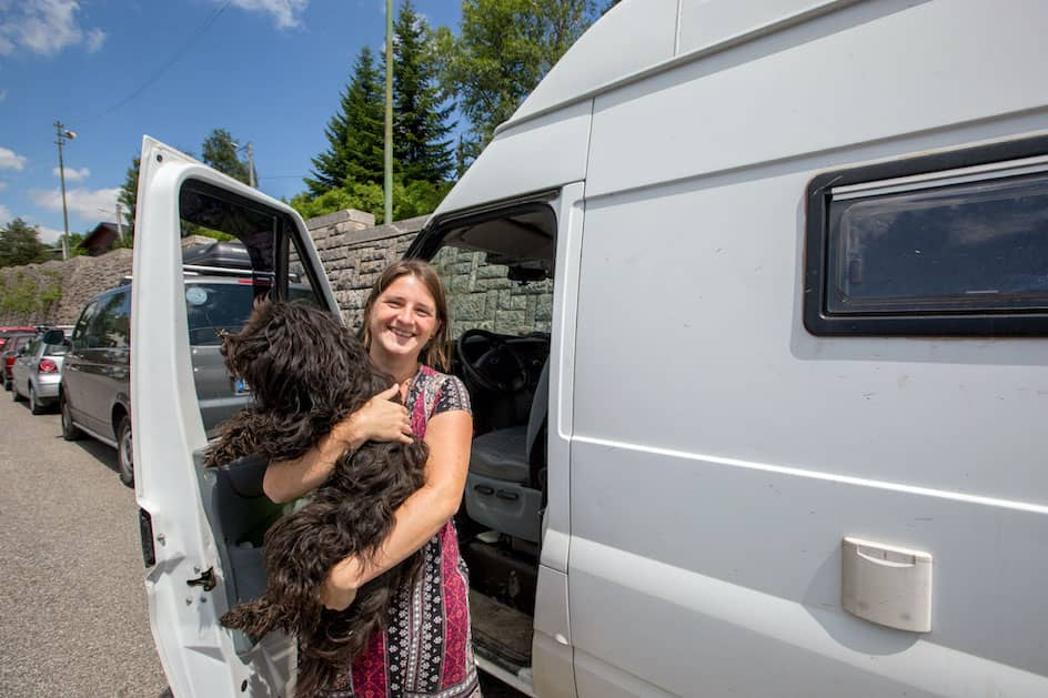 Indiviva-Tiny-House-Reise-mit-Hund